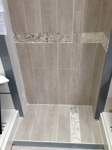 Carrelage sale de bain design for Salle de bain bois leroy merlin
