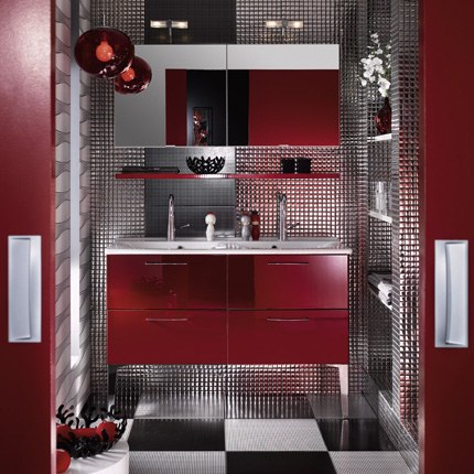 salle de bain rouge blanc et gris. Black Bedroom Furniture Sets. Home Design Ideas