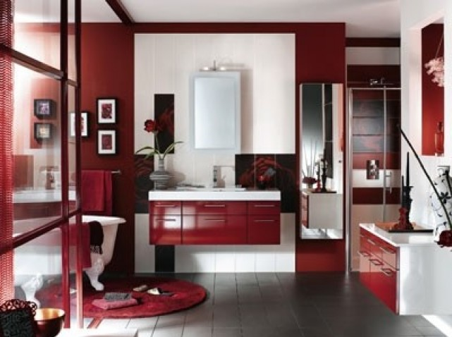 salle de bain rouge et beige. Black Bedroom Furniture Sets. Home Design Ideas