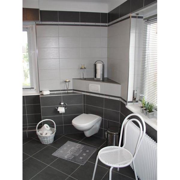 Salle de bains carrelage gris - Modele de carrelage salle de bain ...