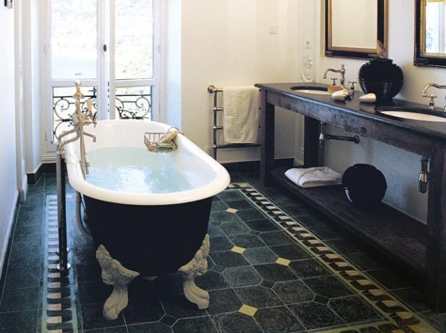 belle vasque salle de bain à l\'ancienne