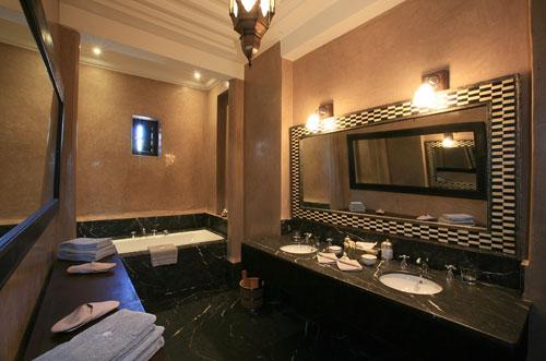 exemple déco salle de bain marocaine