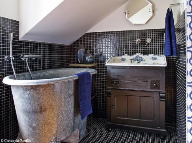 d coration salle de bain ancienne. Black Bedroom Furniture Sets. Home Design Ideas