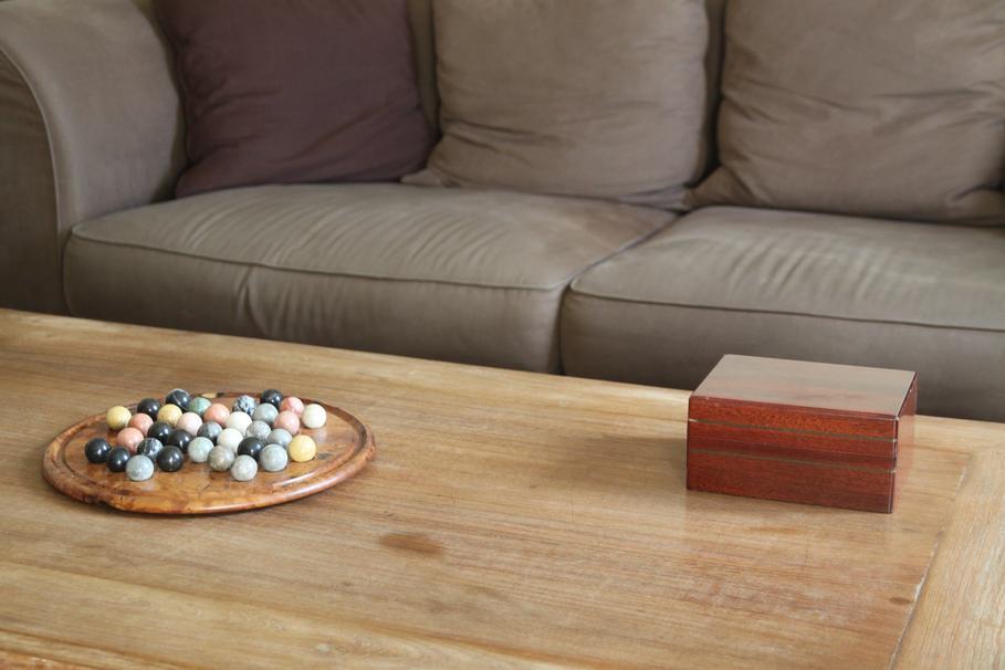d coration salon gris et brun. Black Bedroom Furniture Sets. Home Design Ideas