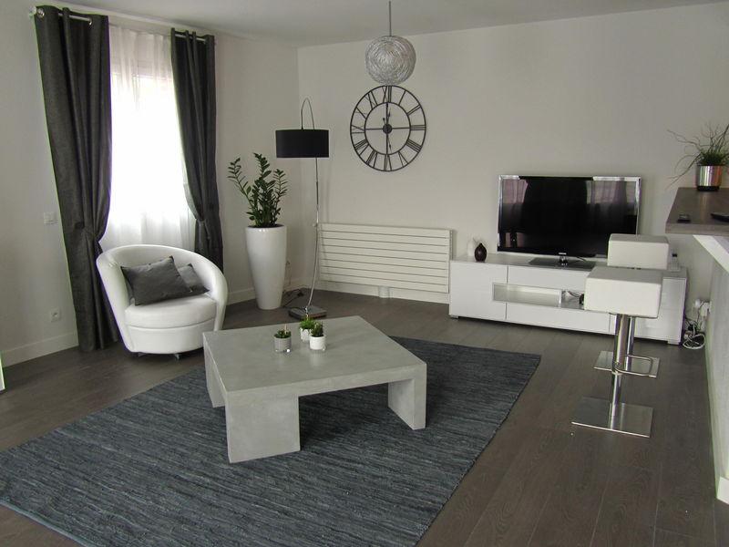D coration salon gris et noir - Decoration interieur noir blanc gris ...