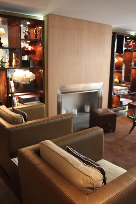 décoration salon marron orange