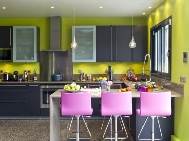decoration cuisine gris vert. Black Bedroom Furniture Sets. Home Design Ideas