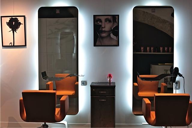 Decoration salon homme for Modele decoration salon design