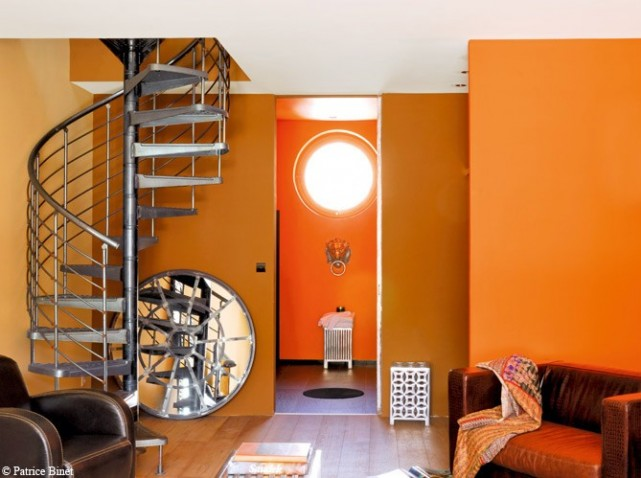 Decoration salon peinture orange for Peinture deco salon
