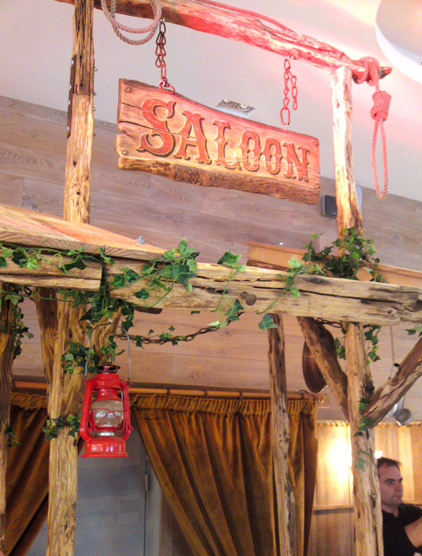 Decoration saloon western for Deco cuisine western