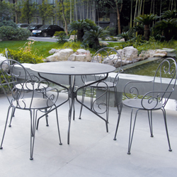 Salon de jardin table ronde for Table de jardin ronde en fer