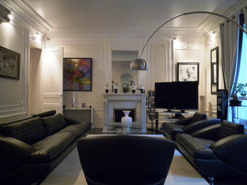 Photo decoration d co appartement haussmannien for Salon haussmanien