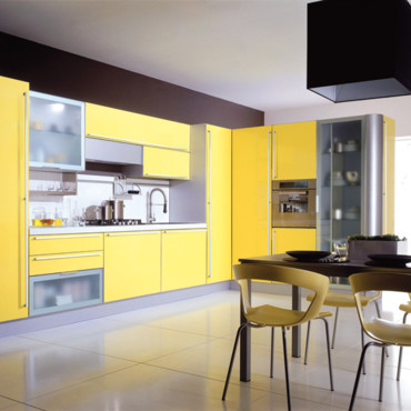 d co cuisine jaune et blanc. Black Bedroom Furniture Sets. Home Design Ideas