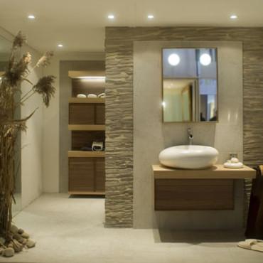 univers déco salle de bain en pierre
