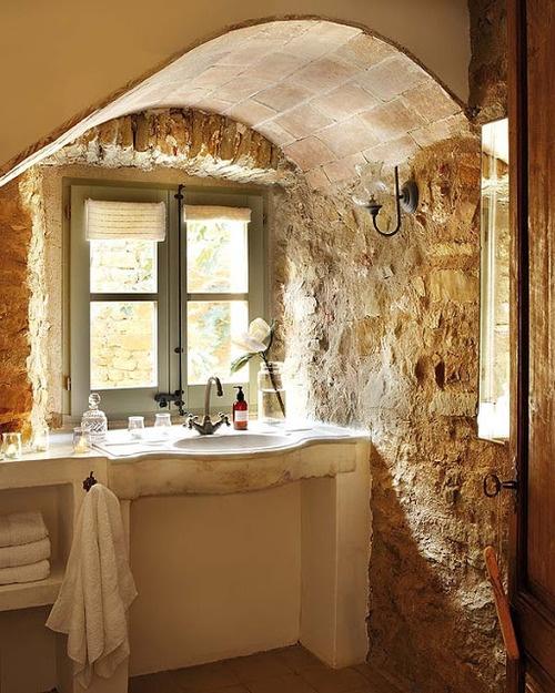 D co salle de bain en pierre for Organisation salle de bain