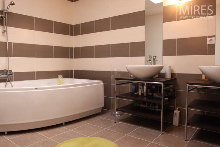 d233co salle de bain marron et beige