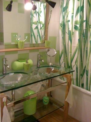 D co salle de bain nature zen for Exemple de salle de bain zen