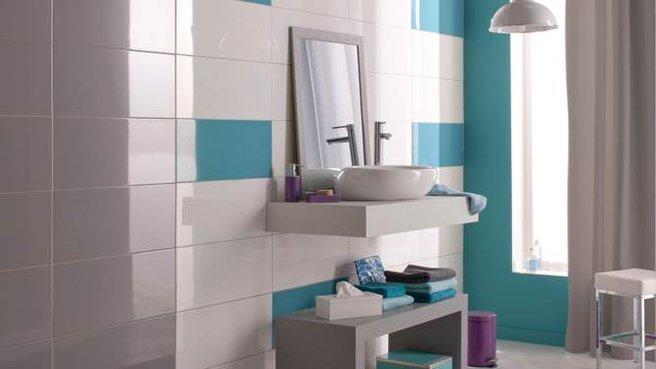 belle déco salle de bain turquoise et marron - Photo Déco