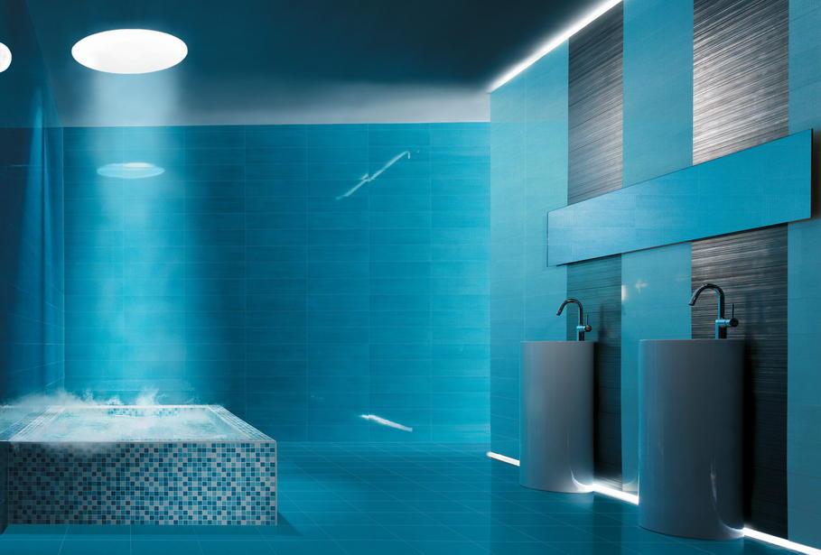 exemple déco salle de bain turquoise et marron