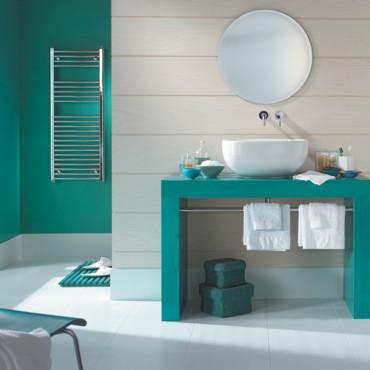 Photo déco salle de bain turquoise et marron