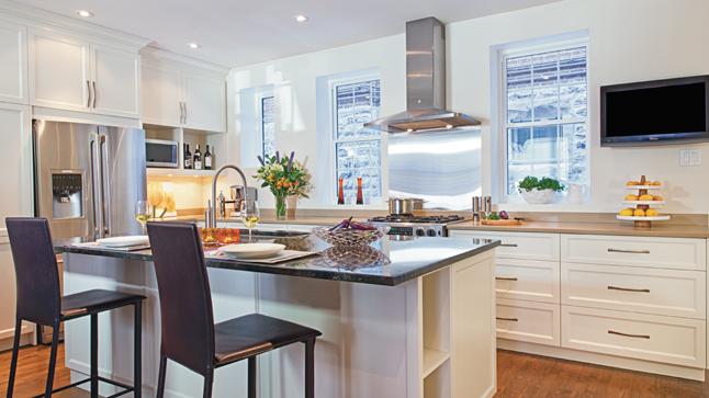 d coration cuisine armoire blanche. Black Bedroom Furniture Sets. Home Design Ideas
