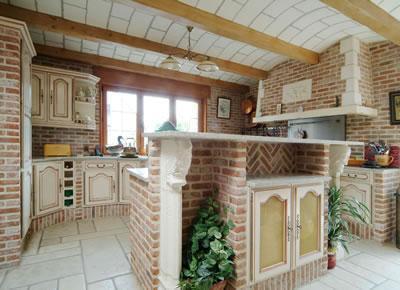 cuisine brique top cuisine aux briques bicolore with cuisine brique top cuisine en brique et. Black Bedroom Furniture Sets. Home Design Ideas