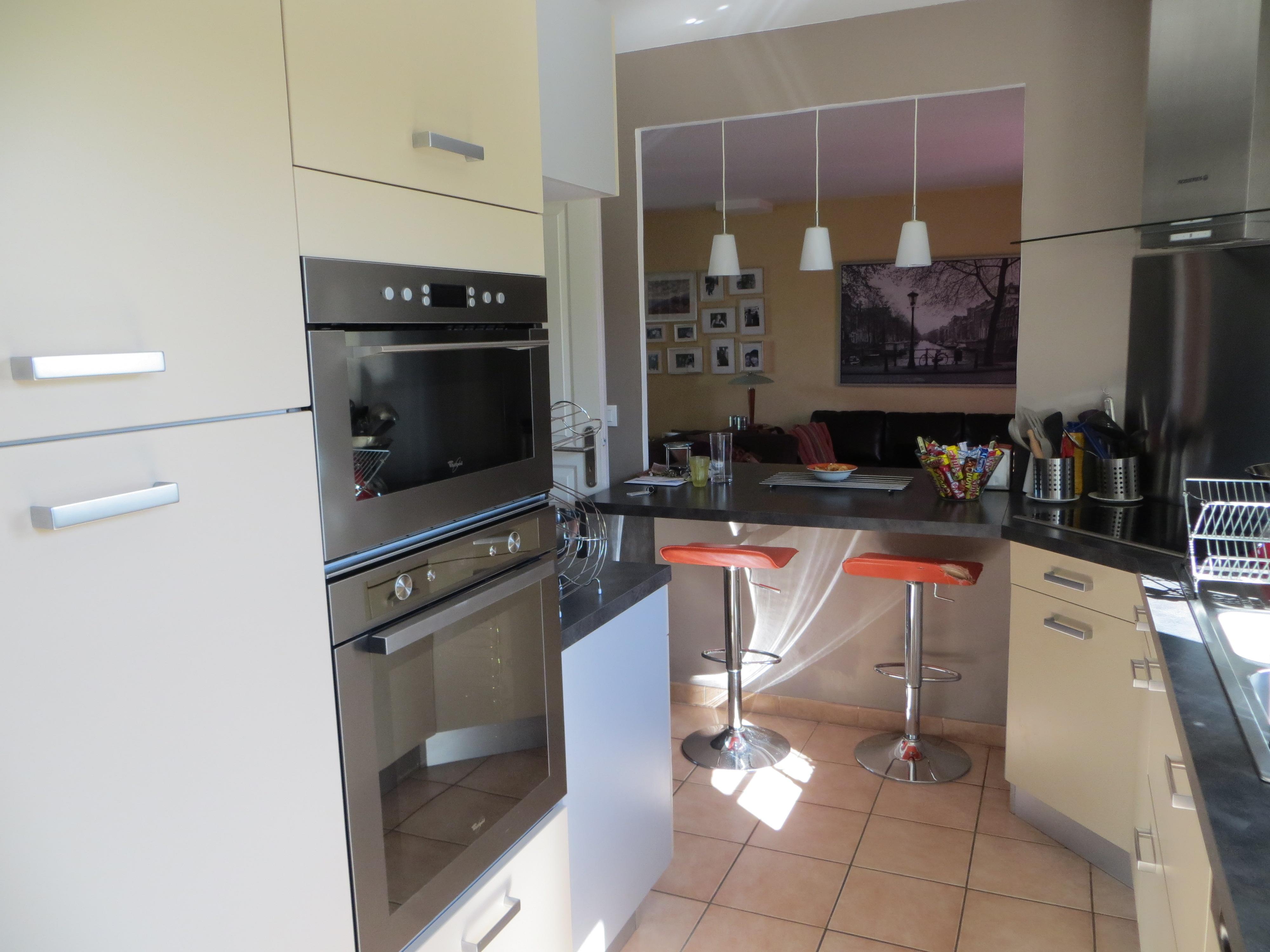 photodeco.fr/wp-content/uploads/2014/07/photo-decoration-décoration-cuisine-ouverte-sur-salon-9.jpg