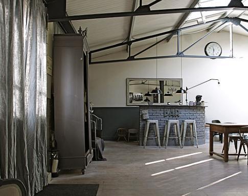 d coration loft industriel chambre. Black Bedroom Furniture Sets. Home Design Ideas