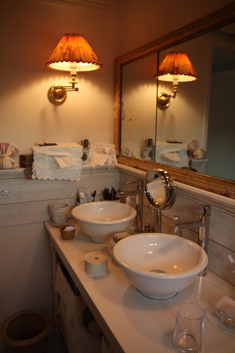 D coration salle de bain antique for Decoration salle de bain romantique