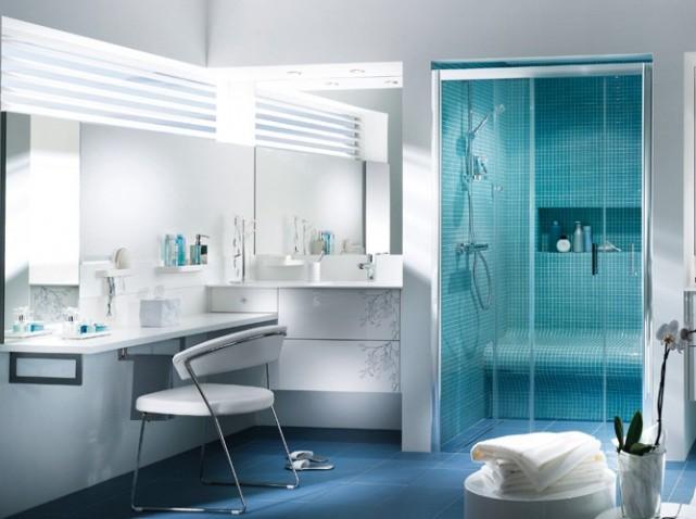 D coration salle de bain en bleu for Bleu salle de bain
