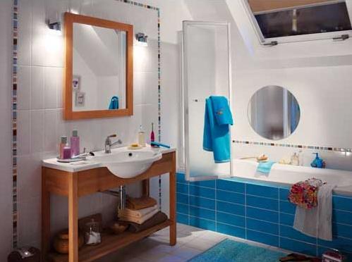 D coration salle de bain en bleu for Idee deco salle de bain bleu
