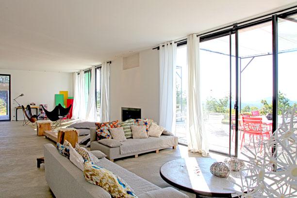 d coration salon en longueur. Black Bedroom Furniture Sets. Home Design Ideas