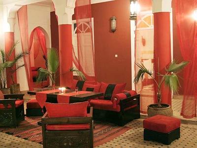 décoration salon orange chocolat