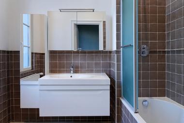 déco salle de bain marron