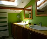 d co salle de bain vert et marron. Black Bedroom Furniture Sets. Home Design Ideas
