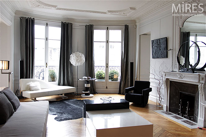 Photo decoration d coration appartement haussmannien for Salon haussmanien