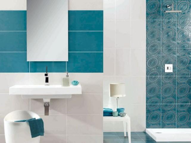 Photo décoration salle de bain carrelage bleu - Photo Déco