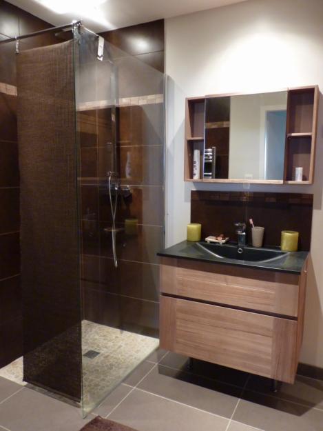 d coration salle de bain sous sol. Black Bedroom Furniture Sets. Home Design Ideas