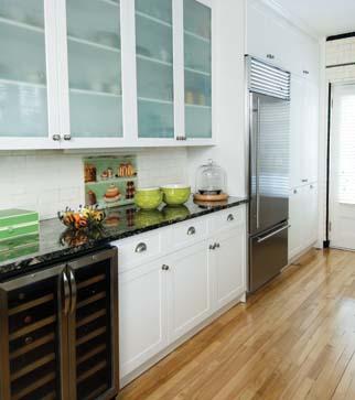Cuisine comptoir noir for Modele de cuisine avec comptoir