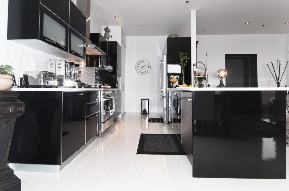Cuisine keywest noir et blanc for Cuisine equipee noir et blanc
