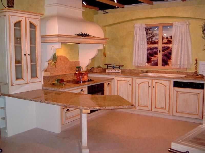Cuisine provencale rouge et jaune for Decore de cuisine maison
