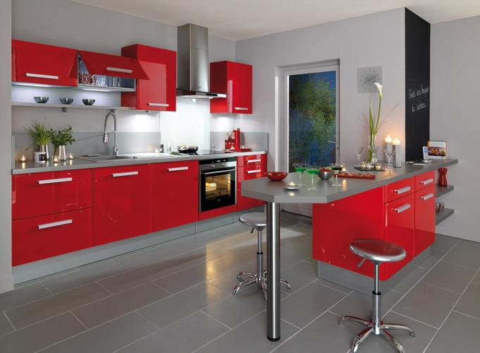 organisation cuisine rouge plan de travail gris - Photo Déco