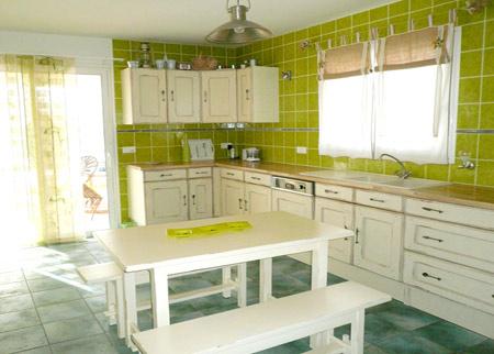 Cuisine tendance vert for Modele cuisine studio