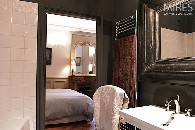 appartement sombre simple appartement sombre solutions une entrace catac salon centric promo. Black Bedroom Furniture Sets. Home Design Ideas