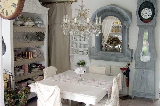 d co maison gustavienne. Black Bedroom Furniture Sets. Home Design Ideas