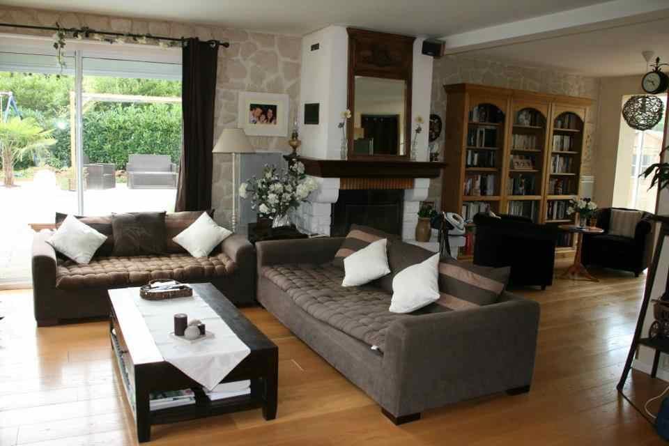 deco salon pierre apparente. Black Bedroom Furniture Sets. Home Design Ideas