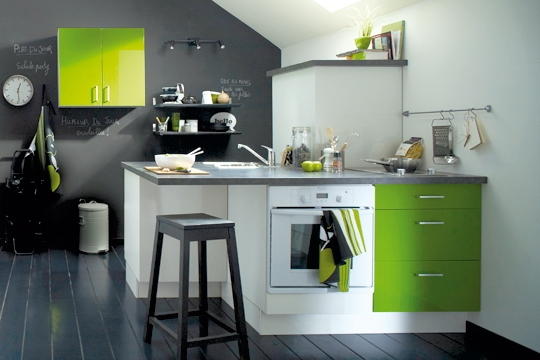 cuisine couleur verte. Black Bedroom Furniture Sets. Home Design Ideas