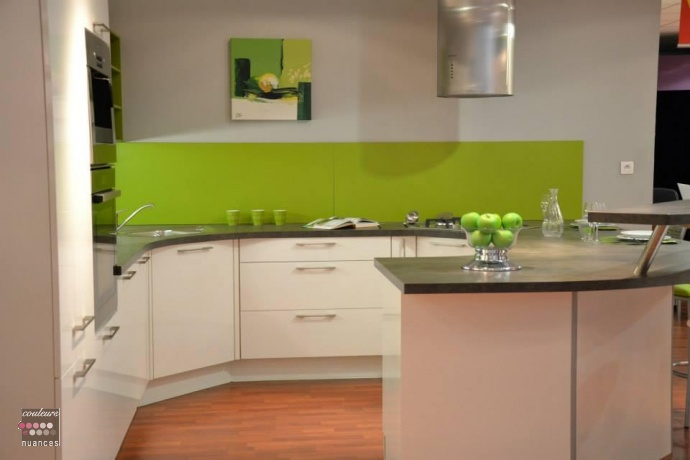 Cuisine peinte en vert id e cuisine en vert pomme - Cuisine peinte en vert ...