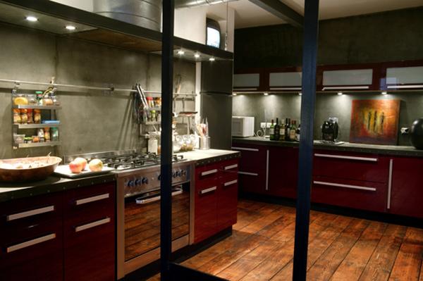 Cuisine loft rouge for Deco cuisine 4 bourgeois