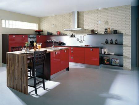 Cuisine rouge cuisinella for Jolie cuisine